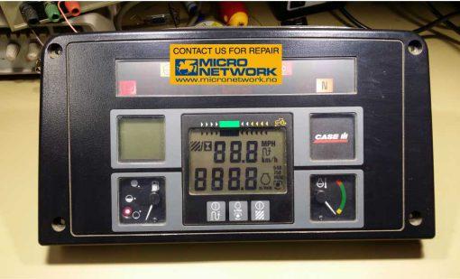 Case_IH_instrument_panel_reparasjon